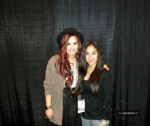 Chicago il december 3 2011 03 demi lovato pictures m4hsunfo