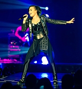 Demi Lovato Performs at Demi Lovato World Tour in London, UK - November 29, 2014
