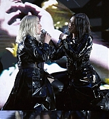 Billboard_Music_Awards2C_Las_Vegas_5BPerformance5D_-_May_2000003.jpg