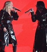 Billboard_Music_Awards2C_Las_Vegas_5BPerformance5D_-_May_2000004.jpg