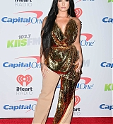Demi_Lovato_-_102_7_KIIS_FM_s_Jingle_Ball_2017_on_December_1-04.jpg