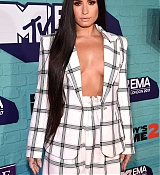Demi_Lovato_-_24th_MTV_Europe_Music_Awards_in_London_on_November_12-11.jpg