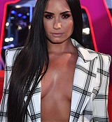 Demi_Lovato_-_24th_MTV_Europe_Music_Awards_in_London_on_November_12-12.jpg