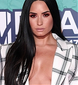 Demi_Lovato_-_24th_MTV_Europe_Music_Awards_in_London_on_November_12-24.jpg