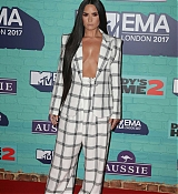 Demi_Lovato_-_24th_MTV_Europe_Music_Awards_in_London_on_November_12-28.jpg