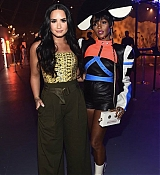Demi_Lovato_-_29Rooms_opening_night_of__Refinery_29_Turn_it_into_Art__on_December_6-01.jpg