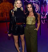 Demi_Lovato_-_29Rooms_opening_night_of__Refinery_29_Turn_it_into_Art__on_December_6-02.jpg