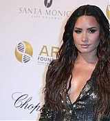 Demi_Lovato_-_Alcides___Rosaura_28ARD29_Foundations___A_Brazilian_Night__on_September_7-01.jpg
