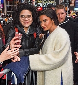 Demi_Lovato_-_Arrives_to_Good_Morning_America_in_NYC_on_January_24-02.jpg