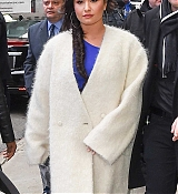 Demi_Lovato_-_Arrives_to_Good_Morning_America_in_NYC_on_January_24-03.jpg