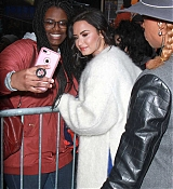 Demi_Lovato_-_Arrives_to_Good_Morning_America_in_NYC_on_January_24-05.jpg