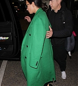 Demi_Lovato_-_Arrives_to_LAX_in_Los_Angeles_on_Feb_5-18.jpg
