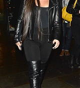 Demi_Lovato_-_Arriving_at_Wembley_Stadium_In_London2C_UK_on_November_14-01.jpg