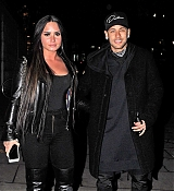 Demi_Lovato_-_Arriving_at_Wembley_Stadium_In_London2C_UK_on_November_14-06.jpg