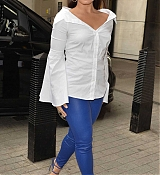 Demi_Lovato_-_At_BBC_Radio_1_Studios_in_London_on_September_27-14.jpg