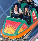 Demi_Lovato_-_At_Disneyland_in_Anaheim2C_CA_on_September_10-08.jpg