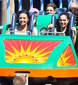 Demi_Lovato_-_At_Disneyland_in_Anaheim2C_CA_on_September_10-10.jpg