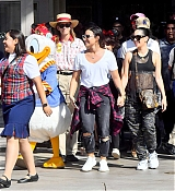 Demi_Lovato_-_At_Disneyland_in_Anaheim2C_CA_on_September_10-15.jpg