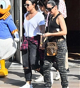 Demi_Lovato_-_At_Disneyland_in_Anaheim2C_CA_on_September_10-31.jpg