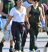 Demi_Lovato_-_At_Disneyland_in_Anaheim2C_CA_on_September_10-32.jpg