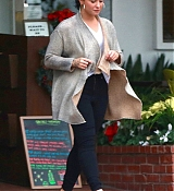 Demi_Lovato_-_At_Fred_Segal_s_after_Christmas_Shopping_on_December_20-01.jpg
