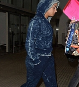 Demi_Lovato_-_At_Heathrow_Airport_In_London2C_UK_-_November_9-02.jpg