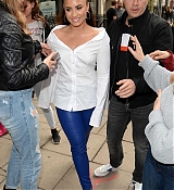 Demi_Lovato_-_At_Kiss_FM_Studios_in_London_on_September_27-02.jpg
