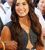 Demi_Lovato_-_At__Good_Morning_America__Studios_in_NYC_on_September_5-05.jpg