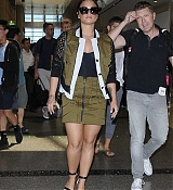 Demi_Lovato_-_At_the_LAX_airport_in_Los_Angeles_on_June_17-03.jpg