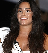 Demi_Lovato_-_Cannes_Lions_Festival_2017_in_Cannes2C_France_on_June_19-06.jpg
