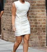 Demi_Lovato_-_In_Manhattan_s_Tribeca_neighborhood_in_NYC_on_October_5-02.jpg