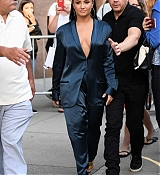 Demi_Lovato_-_Leaving_Z100_Radio_Station_Studios_in_NYC_on_August_17-02.jpg