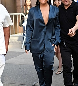 Demi_Lovato_-_Leaving_Z100_Radio_Station_Studios_in_NYC_on_August_17-05.jpg
