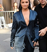Demi_Lovato_-_Leaving_Z100_Radio_Station_Studios_in_NYC_on_August_17-06.jpg