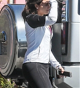 Demi_Lovato_-_Leaving_a_Jiu_Jitsu_Class_in_Hollywood_on_March_6-01.jpg