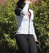 Demi_Lovato_-_Leaving_a_Jiu_Jitsu_Class_in_Hollywood_on_March_6-02.jpg