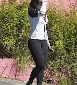 Demi_Lovato_-_Leaving_a_Jiu_Jitsu_Class_in_Hollywood_on_March_6-03.jpg