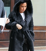 Demi_Lovato_-_Leaving_her_hotel_in_NYC_on_March_152C_2018-02.jpg