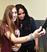 Demi_Lovato_-_Meet_and_Greet_-_Viejas_Arena_at_Aztec_Bowl_San_Diego_State_University_on_February_262C_2018-04.jpg