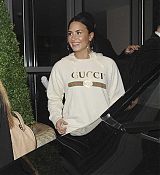 Demi_Lovato_-_Outside_her_hotel_in_London2C_UK_on_November_12-04.jpg