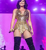 Demi_Lovato_-_Performs_at_BeautyKind_Unites_Concert_for_Causes_in_Arlington2C_Texas_on_March_25-03.jpg
