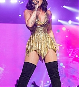 Demi_Lovato_-_Performs_at_BeautyKind_Unites_Concert_for_Causes_in_Arlington2C_Texas_on_March_25-04.jpg