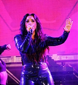Demi_Lovato_-_Performs_at_Fontainebleau_Miami_Beach_on_December_31-01.jpg