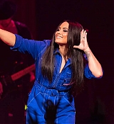 Demi_Lovato_-_Performs_exclusively_for_American_Airlines_AAdvantage_Masterc_28729.jpg