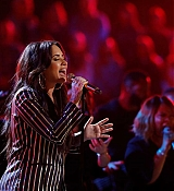 Demi_Lovato_-_Performs_on_The_Voice_Live_Finale_on_December_192C_2017-01.jpg