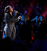 Demi_Lovato_-_Performs_on_The_Voice_Live_Finale_on_December_192C_2017-02.jpg