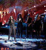 Demi_Lovato_-_Performs_on_The_Voice_Live_Finale_on_December_192C_2017-03.jpg