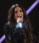 Demi_Lovato_-_Premios_Telehit_Awards_in_Mexico_-_November_9-05.jpg