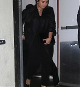 Demi_Lovato_-_Steps_out_after_having_dinner_at_Craig_s_in_West_Hollywood2C_CA_March_52C_2019-01.jpg