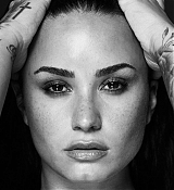 Demi_Lovato_-_Tell_Me_You_Love_Me_Photoshoot_2017-04.jpg